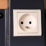 Réservations électriques et goulottes intégrées